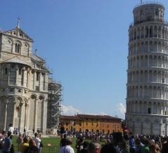 イタリア人「ピサの斜塔から観光客がいなくなったので…今はこうなってしまった」