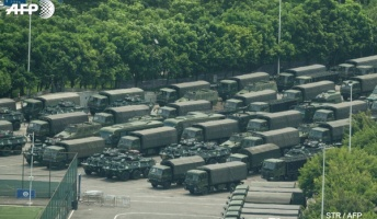 【悲報】香港から10km地点の深センに戦車が集結、天安門事件の再来くる?