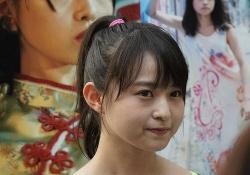 【乃木坂46】伊藤万理華、海外で大人気!! 相変わらず○www