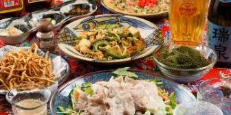 沖縄旅行に来たのに名物料理の文句ばっかり。しまいには「チェーンのファミレスとかでいいよ」とかぬかす友人にイラっ
