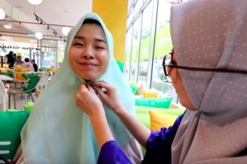 海外「実にいい!」日本人女子が初めての○○○をマレーシアでやってみた