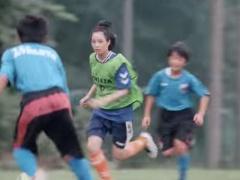"""【動画】女優の""""広瀬すず""""が普通にサッカーが上手いと話題に!"""