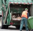 【悲報】ホームレス、ゴミ箱の中で寝ていたらゴミ収集車に回収されてゴミと一緒に圧縮される
