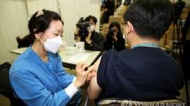 【韓国】昨年まで賞賛されていた「K-防疫」が根っこごと揺れている…ワクチン不足に注射器の異物発生、第4次流行