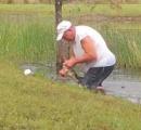 ワニが散歩中の子犬を襲い池の中へ...  飼い主が飛び込みワニのアゴをこじ開けて救出 米フロリダ州