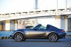 マツダ「ロードスターRF」予約開始! 国産デートカー復活、エレガントさと開放感を両立