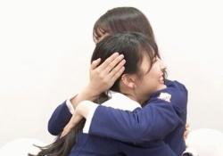 けしからんもっとやれw 樋口日奈×早川聖来の全力ハグが可愛すぎるッ!!!