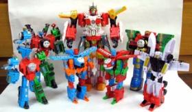 【日本のおもちゃ】   いろんな変身ロボットの オモチャっが凄い!!   というか このオモチャ なにかおかしくないか!!?    海外の反応