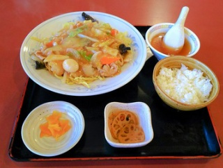 春日井鳥居松で知られる昔ながらの中華料理店で五目焼きそばランチ/中国料理金龍 鳥居松