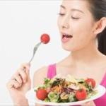 「モリモリ食べる女」VS「少食な女」
