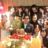 峯岸みなみ、秋元康の還暦祝いに集まったメンバーの写真に「ものすごくレアな…」