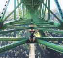 高さ222メートルの橋で自撮りの女性、転落して重傷