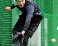 【阪神】ドラ4遠藤成が自主トレ公開 守備の向上掲げ「しっかりやっていきたい」