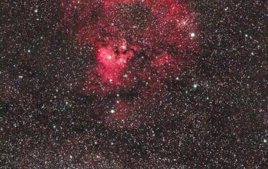 『シグマ150mmF2.8 APO MACRO によるクエスチョンマーク星雲 NGC7822(Ced214)』の画像