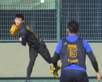 【阪神】ドラ3・及川 山本昌氏に長寿の秘けつ&制球力を知りたい、弟子入り志願