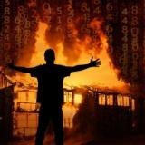 彡(●)(●)「ワイをイジメたクソ女の家に放火して復讐や」・・・・結果