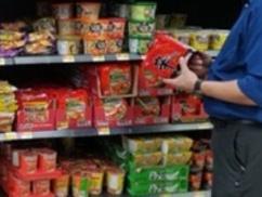 韓国人「辛ラーメンがアメリカで一番売れてる。日本ざっこwww」⇒ アメリカ「アメリカの袋ラーメンのシェアはこれ」⇒ 結果wwwwww