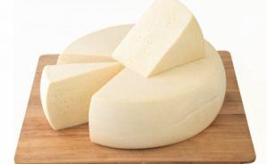 世界各国のチーズについて語り合う