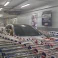 【報復】大型マートでカート置き場に違法駐車 それに対する報復が凄いと話題に!!!