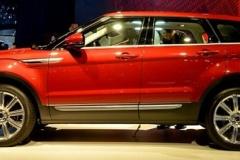 中国メーカー、レンジローバーそっくりの車を発表(写真あり)