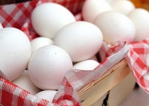友達がゆで卵にマヨネーズつけてて食べてて草