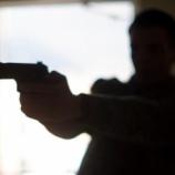 『銃で16発撃たれた27歳の男性が自力で3キロ余歩き病院へ。命に別条なし』の画像