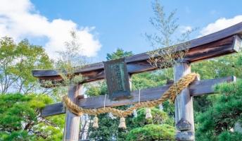 建築士「神社の鳥居って、いまの建築計算上からすると立つわけがない数値になる」