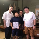 『乃木中 沖縄ロケ確定!!ツイッターでオフショット&サインが公開!『バナナマン、乃木坂46の8人のメンバーの皆さんいらしていました。』』の画像