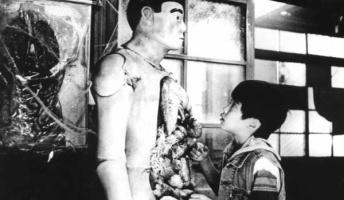 【閲覧注意】学校にまつわる怖い話 『呪いの鉄棒』『奇怪な女の子』 他