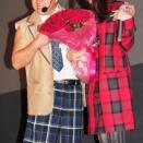 武井咲さん(右)
