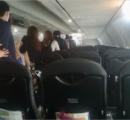 【日航機発煙】 手荷物置いて脱出しろって時に機内の様子を撮影してる奴ってなんなの?