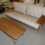 『飛騨高山の柏木工のCIVILのソファーとセンターテーブル』の画像