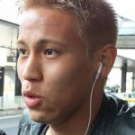 サッカー 本田圭佑の眼がレーシック難民とそっくりで心配なんだが