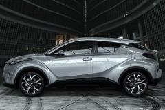 トヨタ、新型SUV「C-HR」の内装公開!