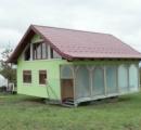 ボスニア・ヘルツェゴビナの72歳のお爺さんが回転する家を6年かかって独力で建てる