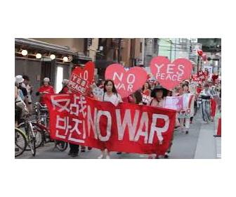 安保法案反対デモの横断幕に誤字や簡体字、日本のネットでは「中国人や韓国人が混ざっている」との指摘も―台湾メディア