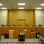 裁判官「定年後の再雇用で、同じ業務内容にもかかわらず賃金を下げるのは違法」