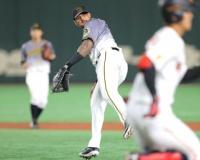 """【阪神】マルテが""""ダブルエラー""""含む1イニング3失策 一塁手のリーグワースト記録更新"""