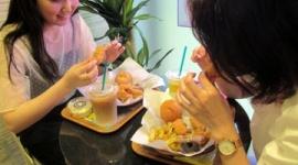 【ゴリ押し】朝日新聞「ワタミ運営の韓国チキンが人気、東京に3店舗!」