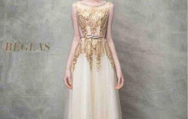 『こんなドレスでデートしてみたいなど夢をふくらませていただくことを願って』の画像