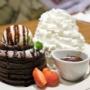 【銀座】エッグスンシングス Eggs'n Things銀座店 フォンダンショコラ&ストロベリーパンケーキ
