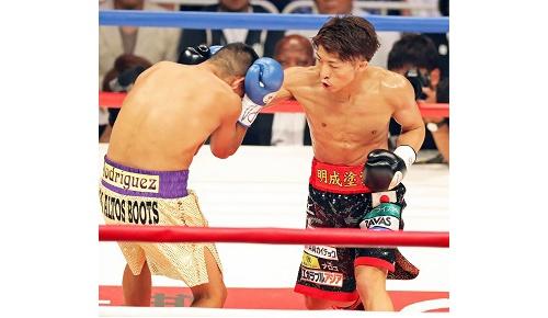 井上尚弥がリカルド・ロドリゲスに完勝、海外から「強すぎる」と熱いコメントが寄せられる