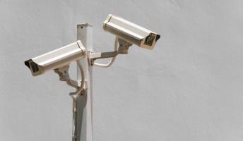 戦慄…監視カメラが捉えた衝撃映像15選