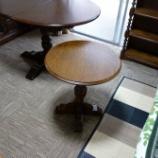 『丸亀市にオールドチャーム・玉柱三段本棚とサイドテーブルを納品』の画像