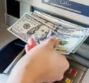 ATMから5ドルを引き出すと不具合で100ドル札が 銀行が返金を求めるが「金を受け取ってない」と主張