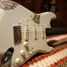 "Kooy Guitars Relic Strat ""Hard Aged White"" 完成"