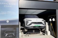 """中国、""""自動車強国""""実現へ「バッテリー交換型」EV推進 最短20秒で満充電に"""