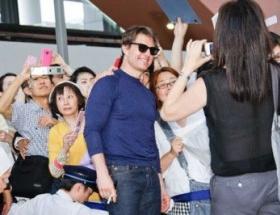 【悲報】関空でのトム・クルーズのお出迎え、たったの500人wwww
