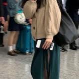 『【乃木坂46】賀喜遥香、帰りの上海空港で控えめピース♡ 可愛すぎるwwwwww』の画像