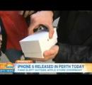 レポーター「iPhone6買いましたか?」 男「今買いました見てくださいこれです今開けますねポロッ ガッシャンギャー